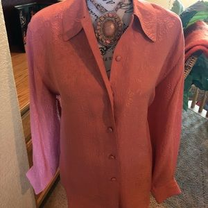 NWT beautiful 100% silk blouse by Silk Boutique